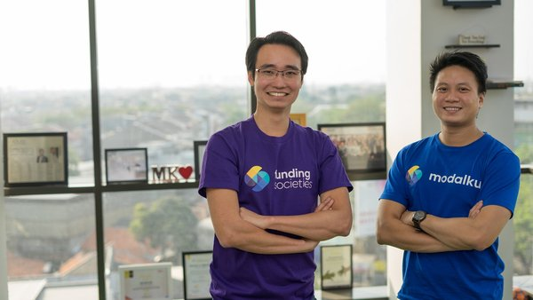 (From left to right) Kelvin Teo and Reynold Wijaya co-founded Funding Societies in 2015
